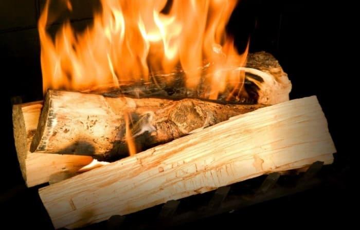 Воспламенение дров
