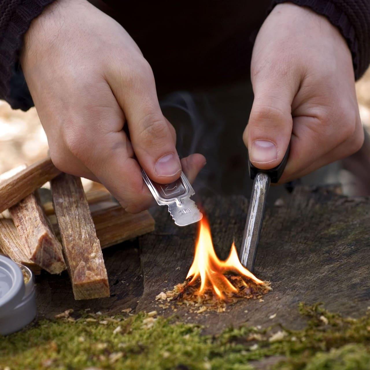 Добыча огня огнивом