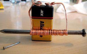 Намагничивание с помощью электричества