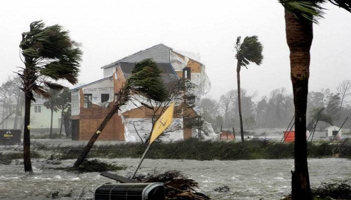 Ветер внезапно превращается в ураган