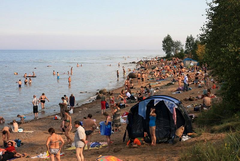Большой пляж на Ладожском озере