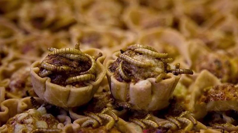 Кексы из мучных червей