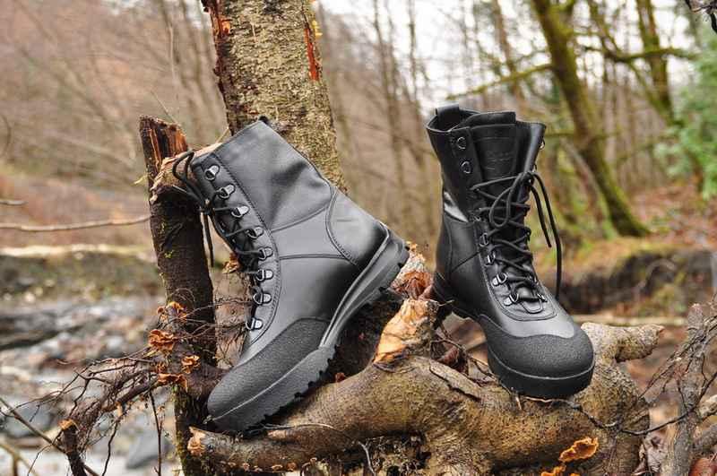 Обувь для похода выбирают в зависимости от того, в какое время и в каких условиях будет пролегать туристический маршрут