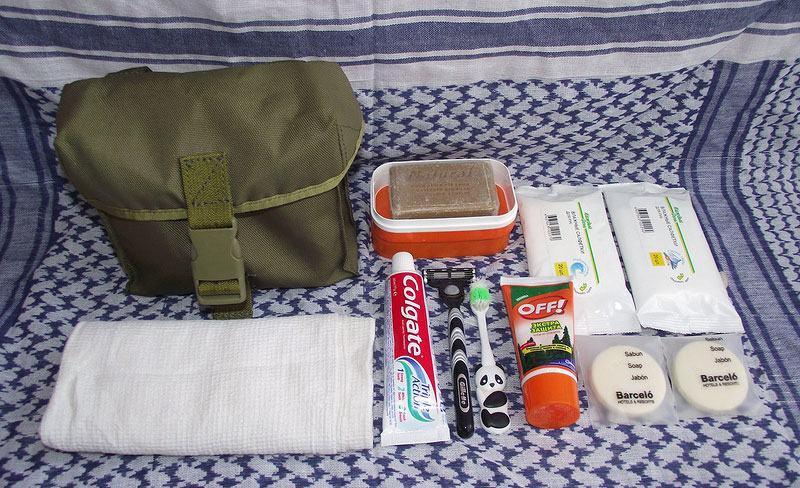 Отправляясь в поход, следует обязательно взять вещи для поддержания личной гигиены
