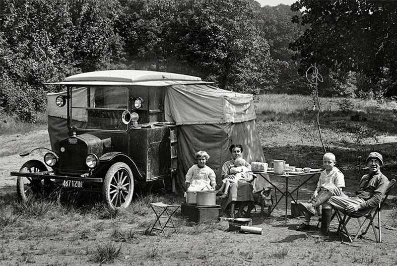 Палатки на крышу автомобиля появились в начале 20 века