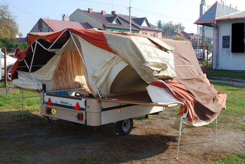 Прицеп-палатка - это отличная альтернатива домам на колесах