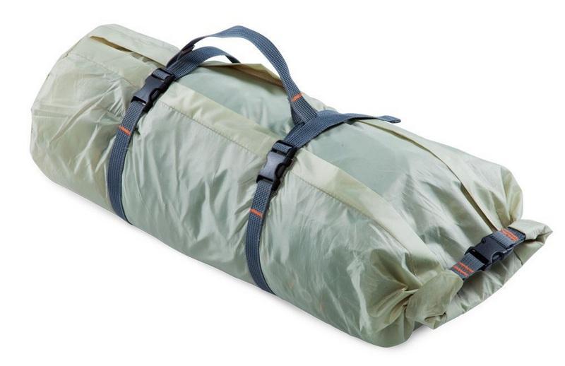 Собранную палатку помещают в специальный чехол