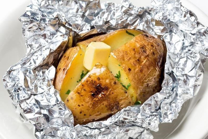 Картошка с маслом и сыром -ароматное и питательное блюдо