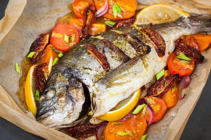 Лещ с овощами - полезное и сытное угощение