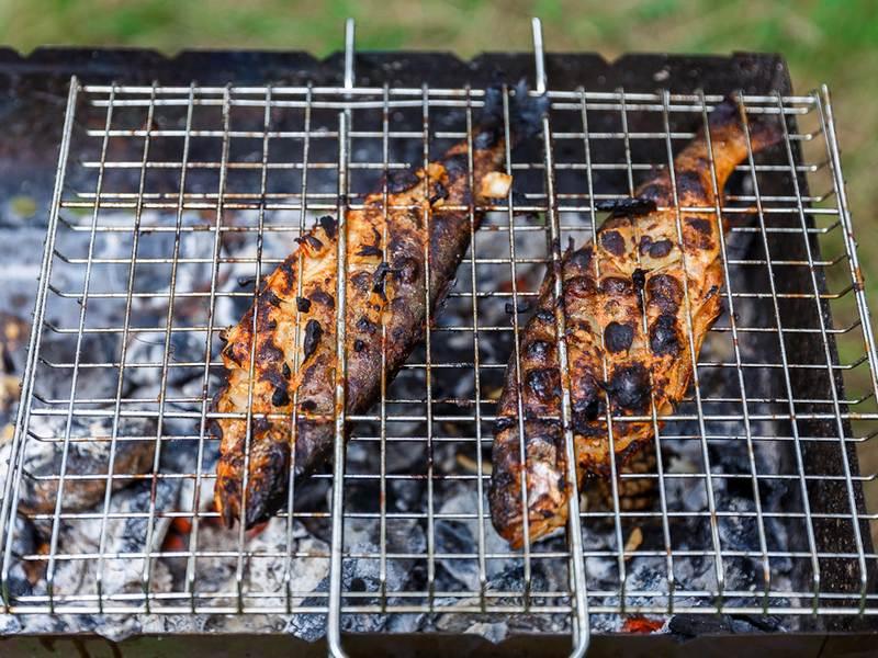 Пережаренная рыба - результат использования недостаточного количества масла в процессе приготовления