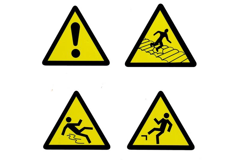 Предупреждающие знаки предназначены для того, чтобы защитить человека от возможных опасностей