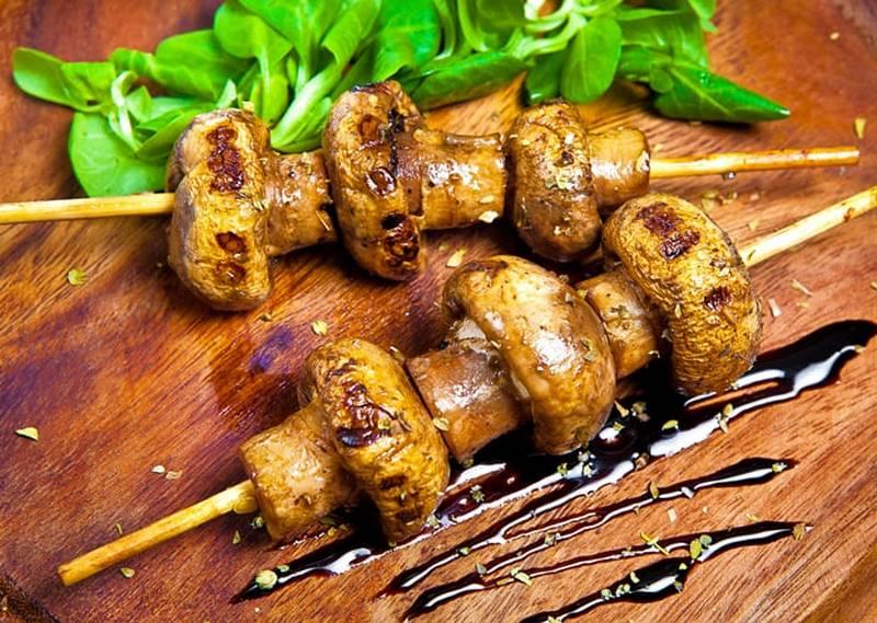 Шампиньоны в китайском маринаде - вкусное блюдо, которое готовится на удивление быстро