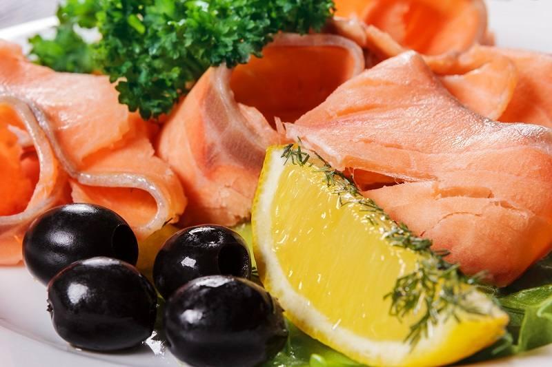 Семга с оливками отличается не только вкусом, но и питательностью