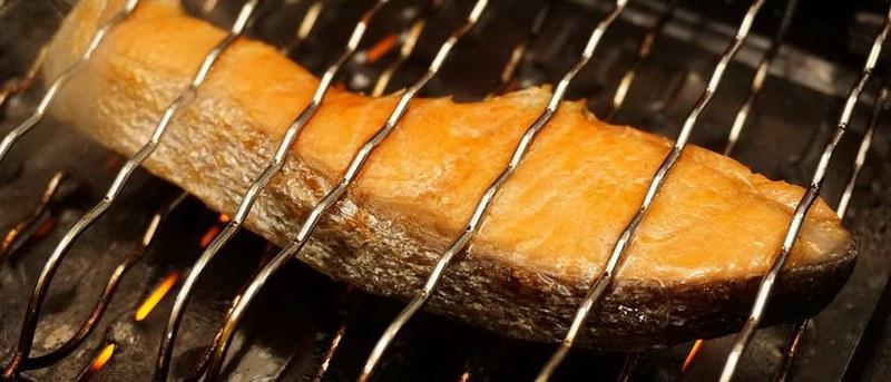Семга в маринаде на основе меда отличается необычайной нежностью и великолепными вкусовыми качествами