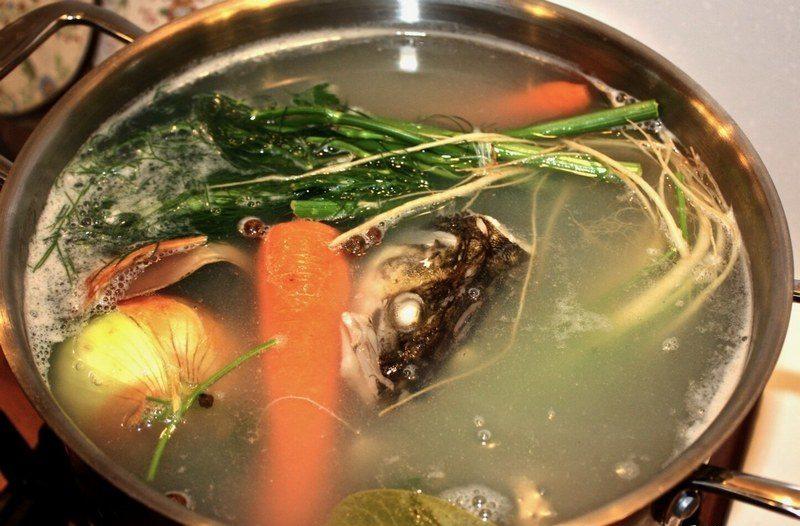 Уха из судака - вкусный рыбный суп, очень насыщенный и нежный