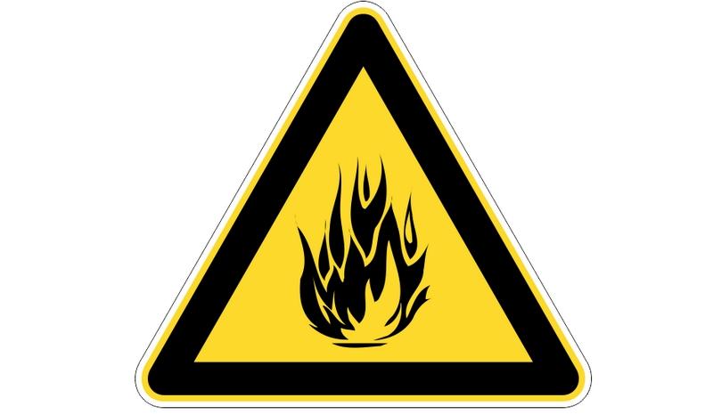 Знак «Огнеопасно» указывает на наличие легковоспламеняющихся веществ