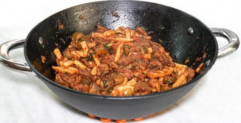 Азу по-татарски - это хороший вариант блюда для приготовления на природе