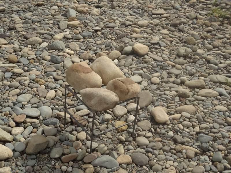 Камни для походной бани можно собирать невдалеке от выбранного места