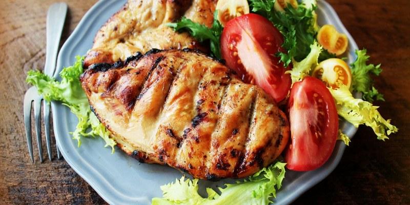 Куриные грудки в медовом маринаде - вкуснейшее блюдо, которое можно приготовить на костре