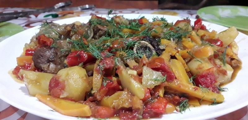 Нарханги в казане на костре - одно из лучших блюд узбекской кухни