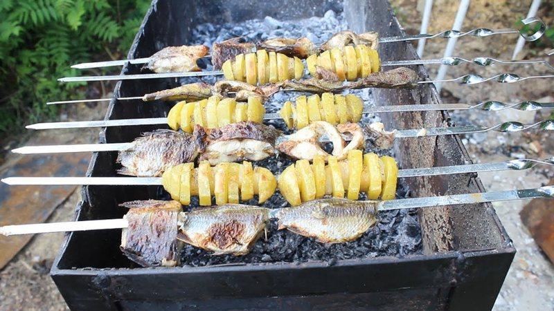 Рыба с картошкой в меду - отличная закуска, не требующая больших усилий