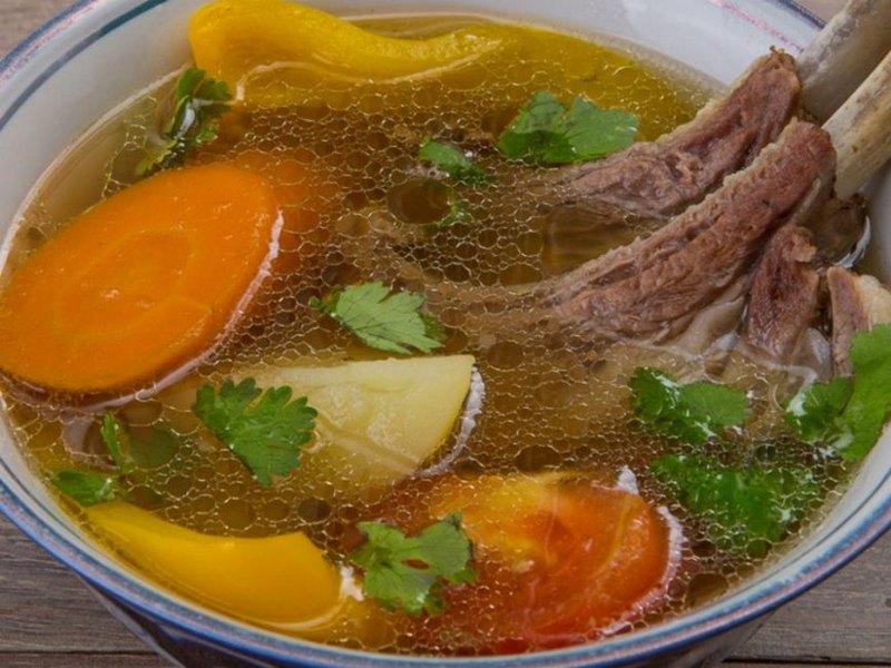 Шурпа из баранины, говядины или утки по-узбекски - это оригинальное блюдо, очень вкусное и калорийное